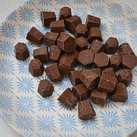 Шоколад молочний (діаманти) 31% Master Martini (500 гр.)