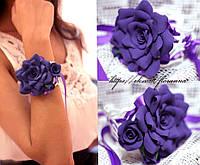 Браслет на руку с цветами из полимерной глины. Фиолетовая роза с бутонами
