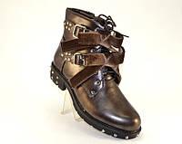 Женские коричневого цвета ботинки с молнией