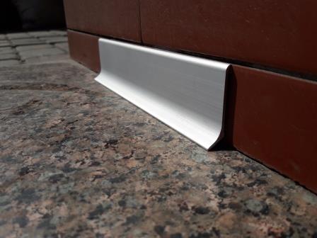 Плинтус алюминиевый 40мм / анод L-3.0 мп