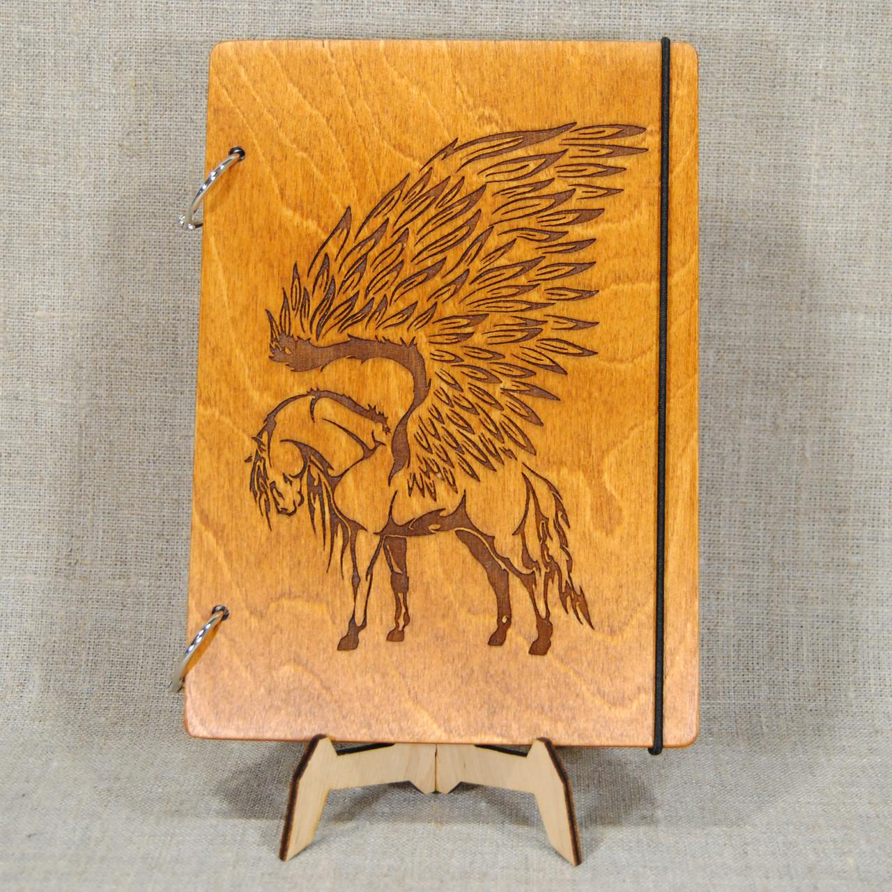 Скетчбук Пегас. Блокнот с деревянной обложкой.