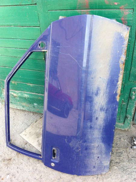 Двері передня права гола Таврія ЗАЗ 1102 в середньому стані бу