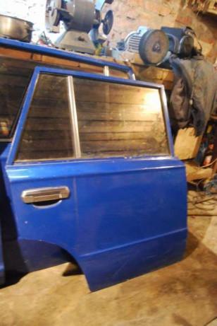 Двері задня права ВАЗ 2102 під ремонт бу