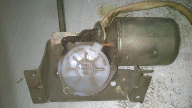 Электродвигатель дворников ГАЗ Волга 24 моторчик моторедуктор мотор двигатель бу