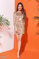Блестящее платье с пайетками и открытой спиной золотистое