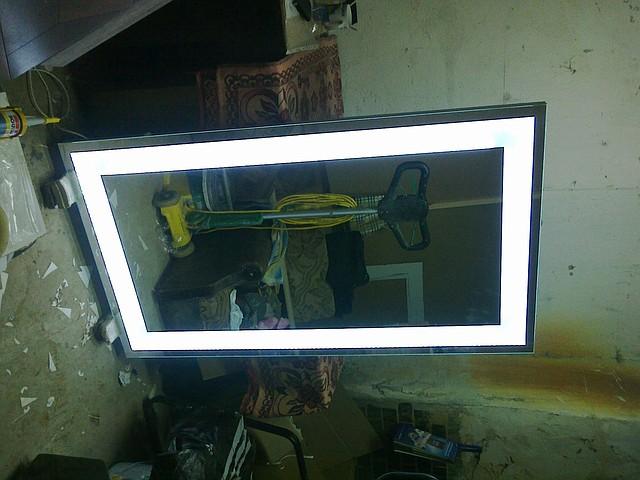 Зеркало с подсветкой по периметру