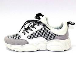 Белые молодёжные текстильные кроссовки женские