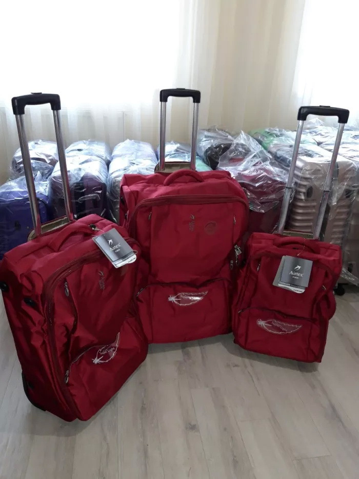 Валізи чемоданы AIRTEX 2931 Франція безкаркасні на 2-х колесах