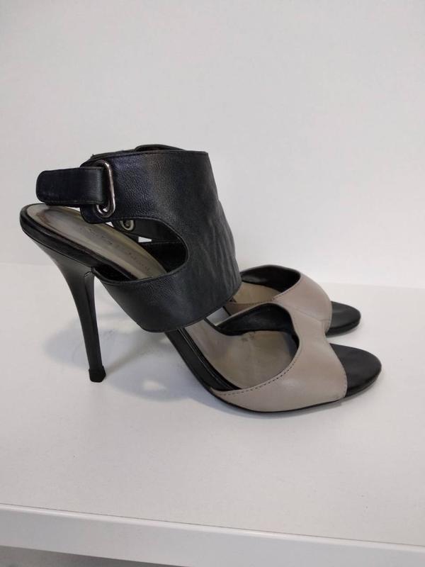 Босоножки кожаные черные серые Sasha Fabiani размер 39  Б/У