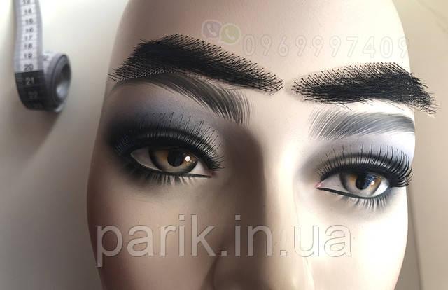накладные брови на манекене