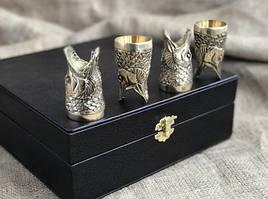 """Подарочный набор бронзовых стопок """"Царский улов"""" 4 штуки, в кейсе из эко-кожи"""