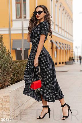 Модное платье длинное на запах с рюшами короткий рукав черное в белый горох, фото 2