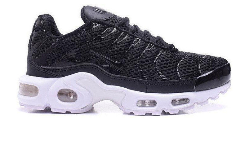 running shoes order closer at Кроссовки мужские Nike Air Max 95 TN Plus Black/White (Реплика ААА класса)