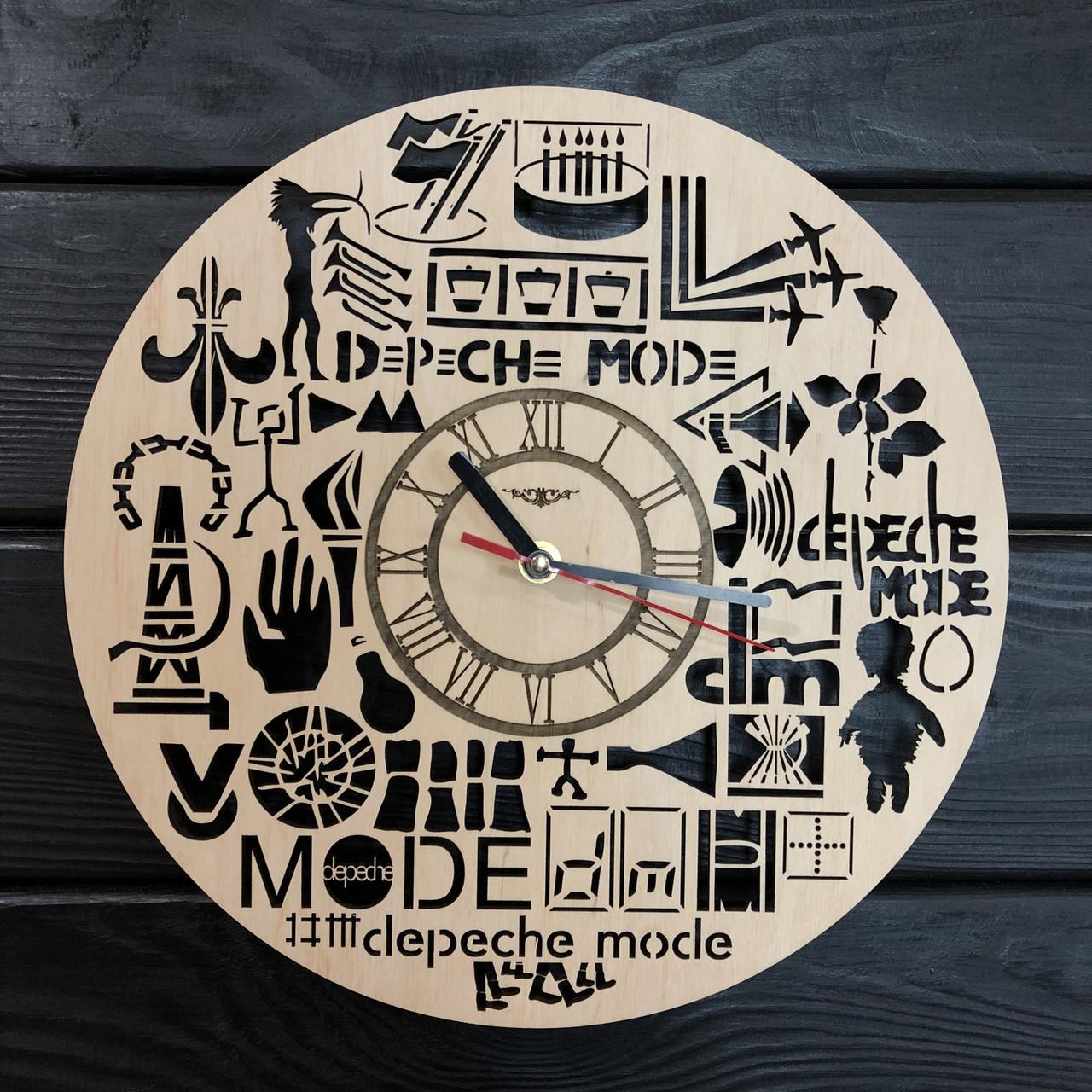 Оригинальные настенные часы из дерева «Depeche Mode»