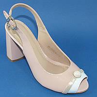 Открытые летние туфли на каблуках бежевого цвета из натуральной КОЖИ