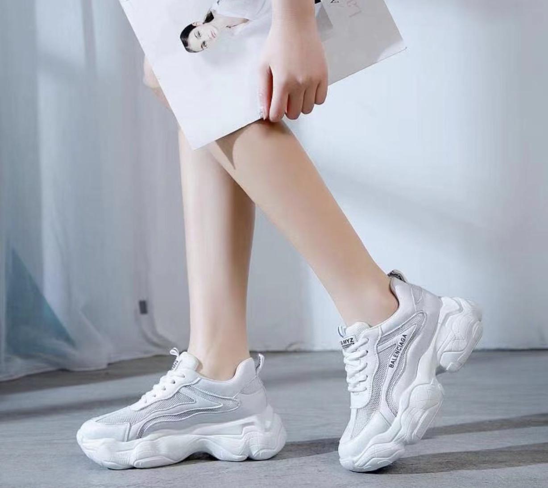 Кроссовки женские Balenciaga реплика белые