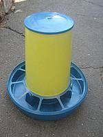 Бункерная кормушка на 6 кг с ручкой  (для кур, перепелов и др.) жел-син. (БК-10)