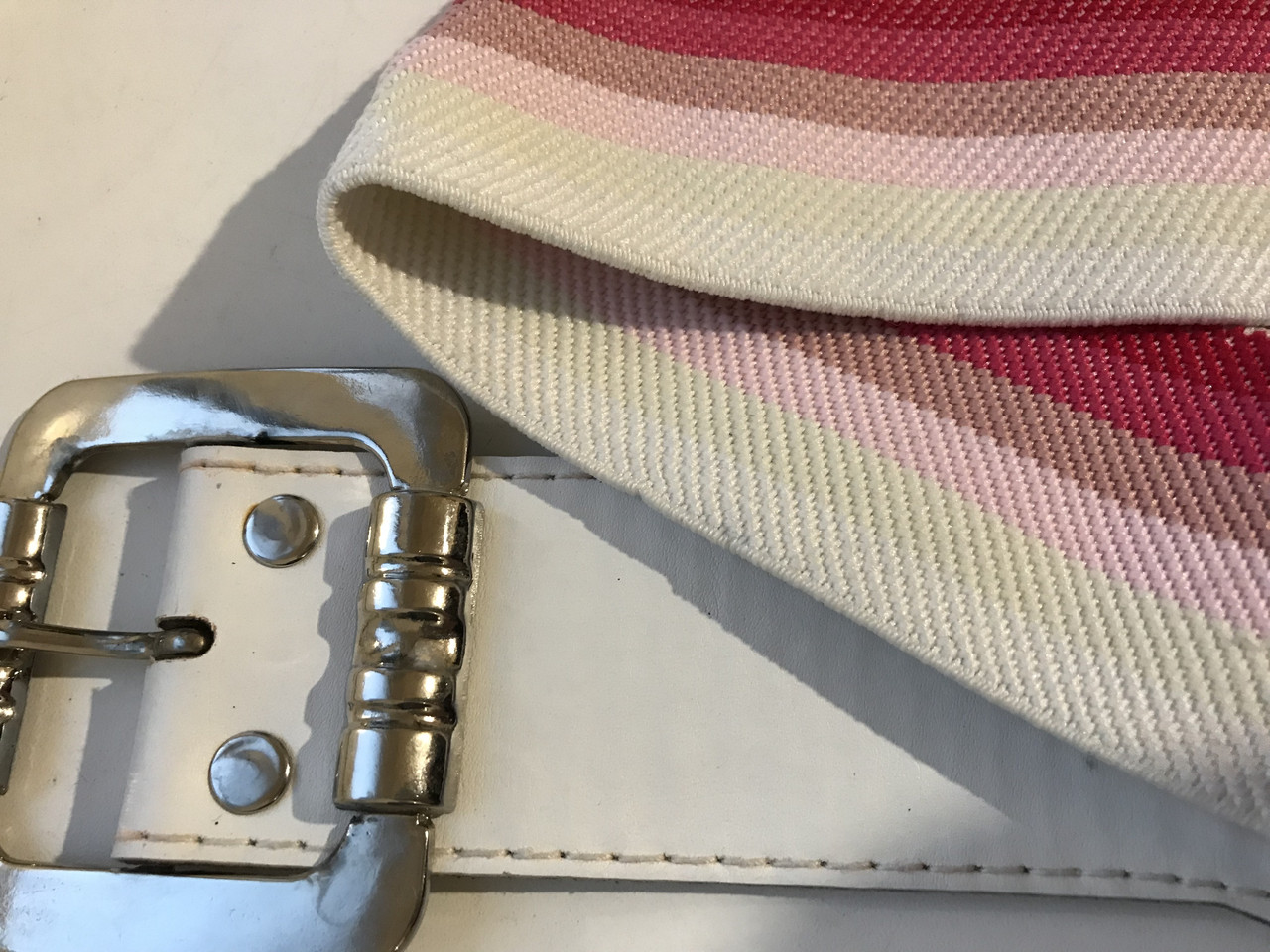 Пояс-ремень эластичный бело-розовый