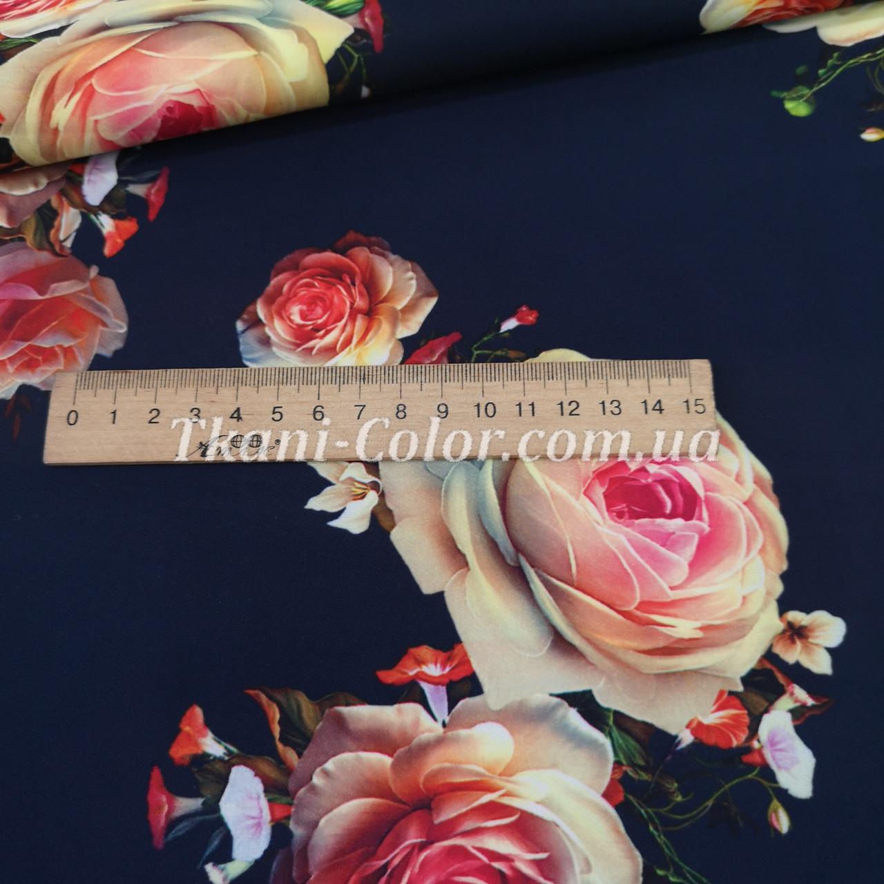 Ткань барби принт розы на темно-синем