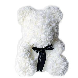 Мишка из искусственных 3D роз в подарочной упаковке 25 см белый 140100