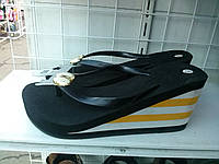 Шлёпанцы женские на танкетке летние . Распродажа
