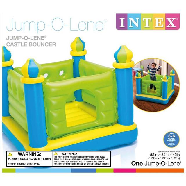 Игровой центр батут замок для детей Intex