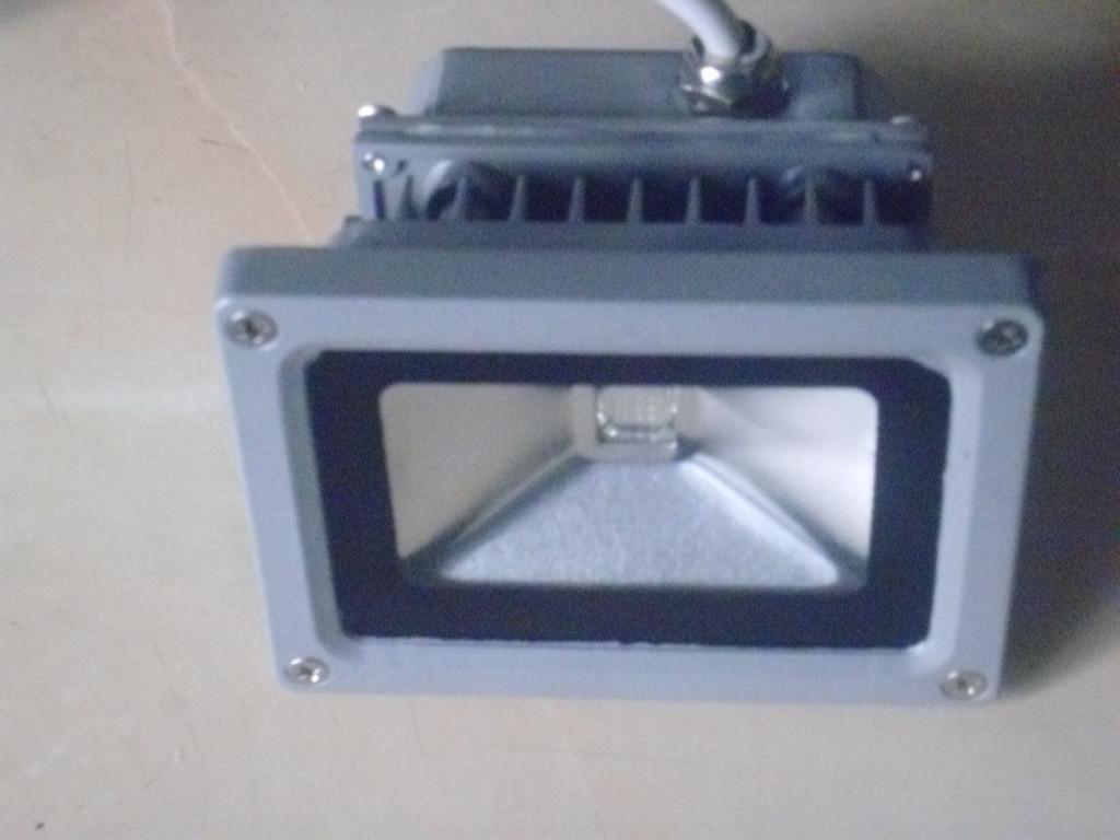 Ультрафіолетовий прожектор 400 нм, 10 Ватт, 12 Вольт