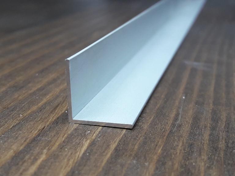 Уголок алюминий, анод 15х15х1