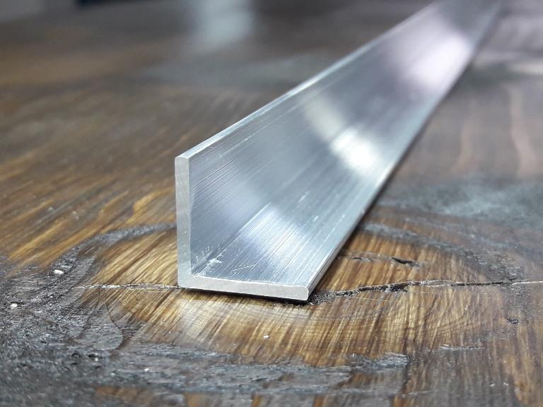 Уголок алюминий, без покрытия15х15х1,5