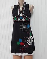 Красивое вышитое платье Kessley черное  р.S