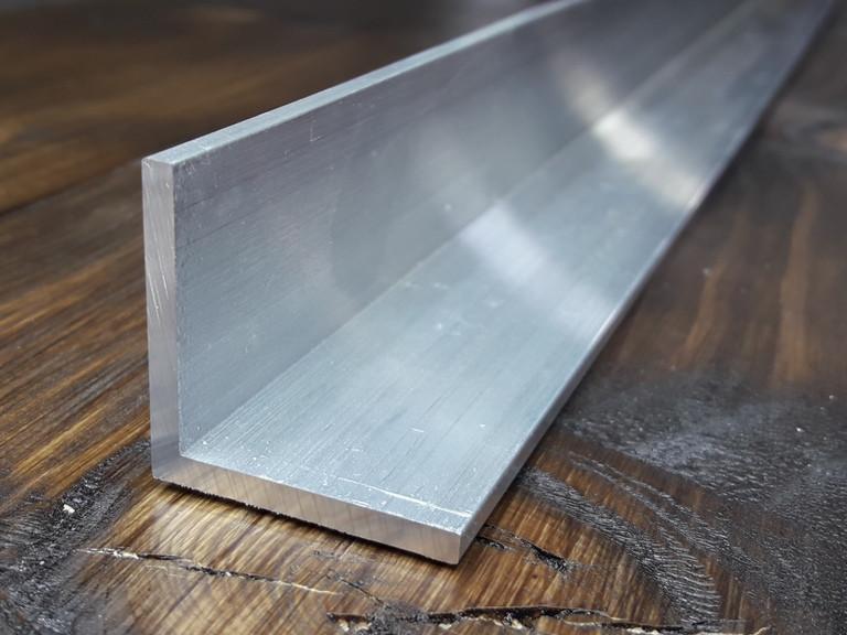 Уголок алюминий, без покрытия 25х25х2