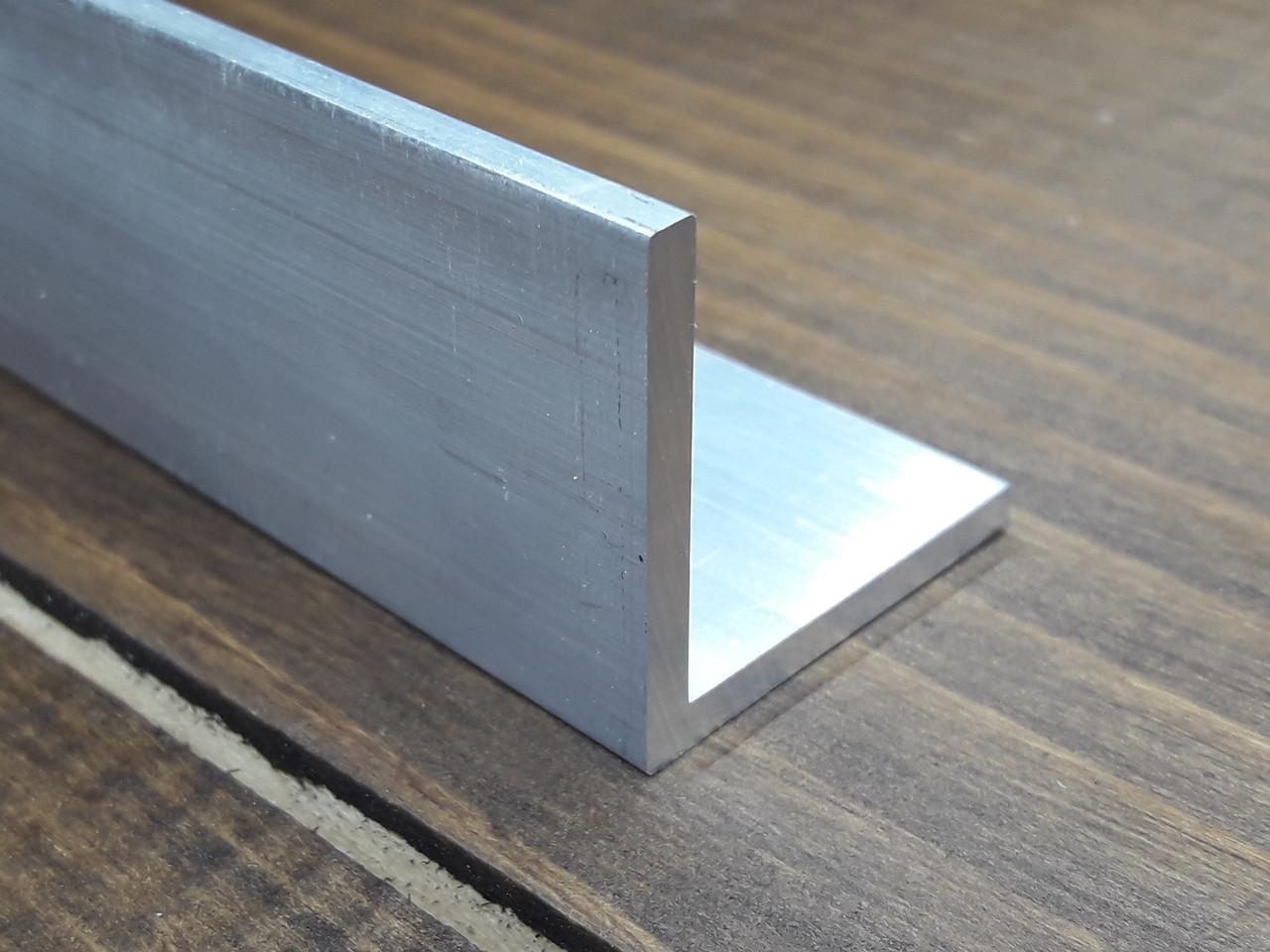 Куточок алюміній, без покриття 40х40х3