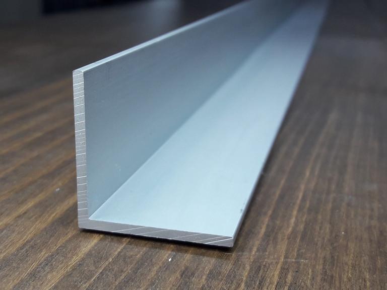 Уголок алюминий, анод 50х50х2