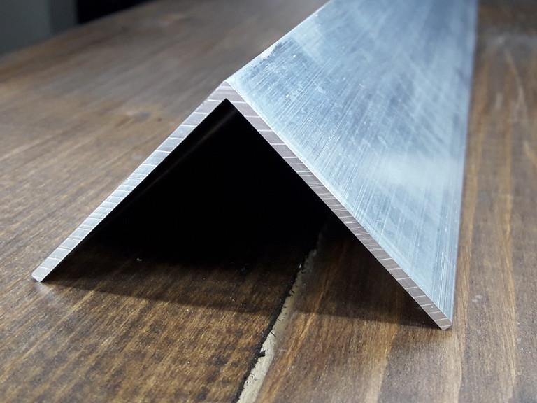Уголок алюминий, без покрытия50х50х2