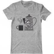 Мужская футболка с принтом Coffe smells better outdoors