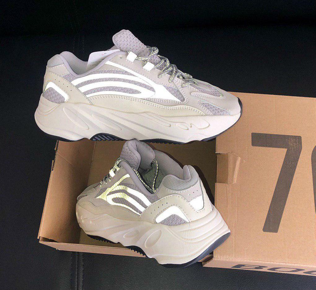 online retailer 97138 8fab5 Adidas Yeezy Boost 700 Static Wave   кроссовки женские и мужские; серые; с  рефлективом: продажа, цена в Киеве. кроссовки, кеды повседневные от