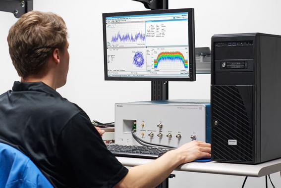Анализатор спектра в реальном масштабе времени RSA7100A