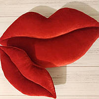 Стильная интерьерная подушка-губы