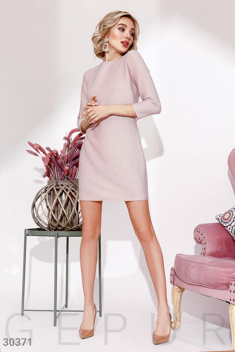 Прямое трикотажное платье с люрексом розовое