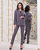 Элегантный деловой женский брючный костюм в полоску: пиджак на пуговице и брюки с высокой талией с поясом, фото 10