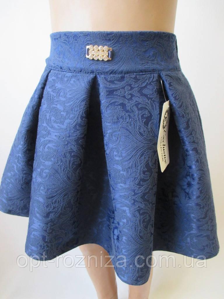 Детские юбки с брошью на поясе.