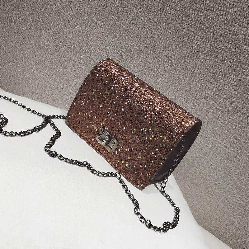 Блестящая коричневая сумка через плечо