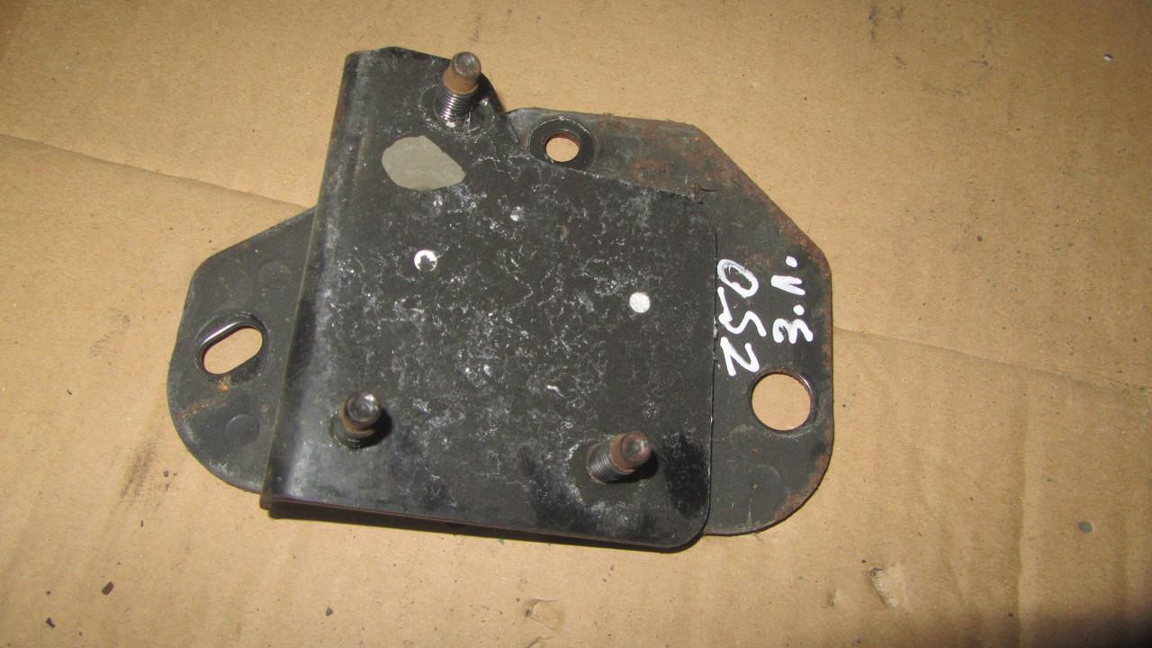 Кронштейн підсилювача заднього бампера лівий Nissan Murano Z50 85221CA100