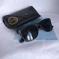 Солнцезащитные очки унисекс Ray Ban Wayfarer стекло черный матовый комплект