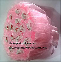 Букет из конфет Раффаэлло в розовой органзе