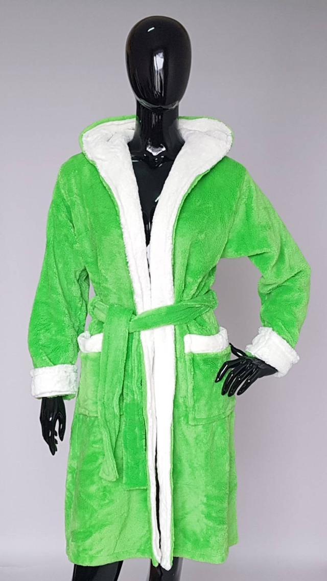 фотография женский махровый халат с капюшоном зеленого цвета