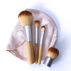 Набор кистей для макияжа 4 шт. в чехле