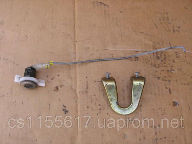 Личинка замка задней распашной двери б/у на Renault Master 2003-2010 год