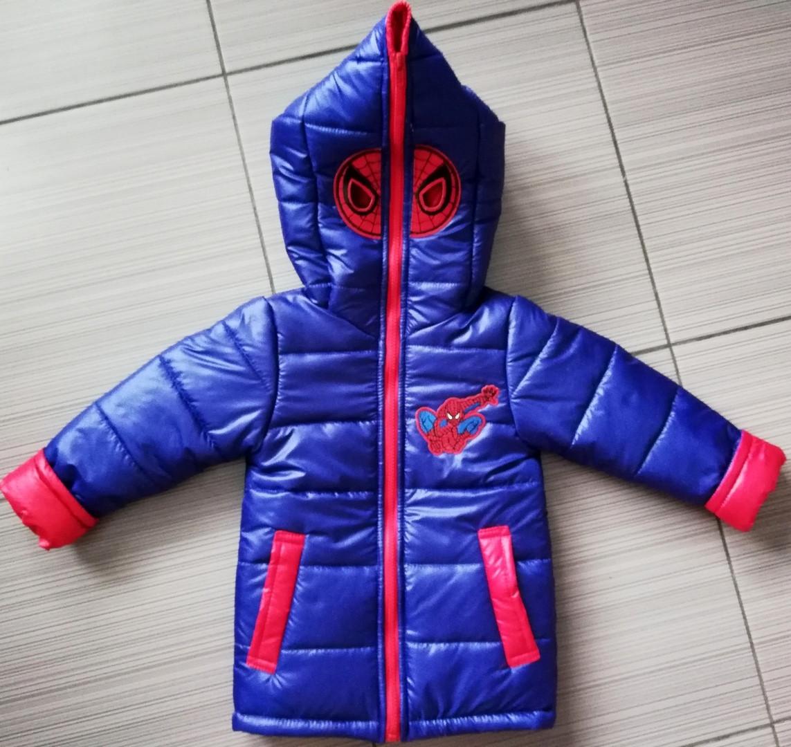 Демисезонная детская куртка Человек Паук с вырезами для глаз на капюшоне