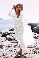 Пляжное белое платье миди с кружевными вставками  и рукавами